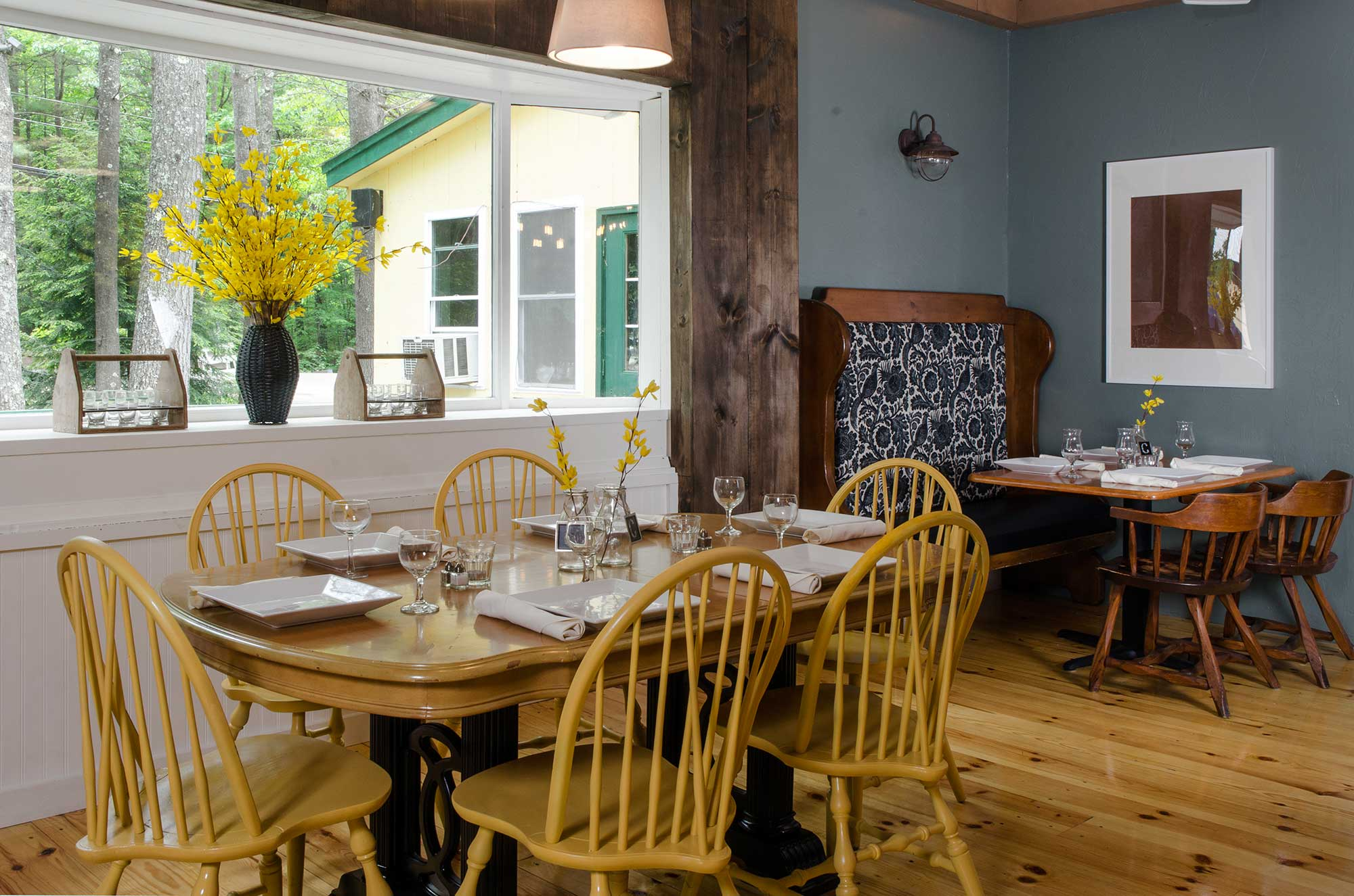 dining areas | the covered bridge farm table restaurant & bar